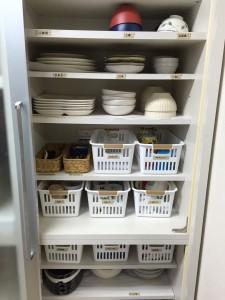 食器棚をスッキリ収納