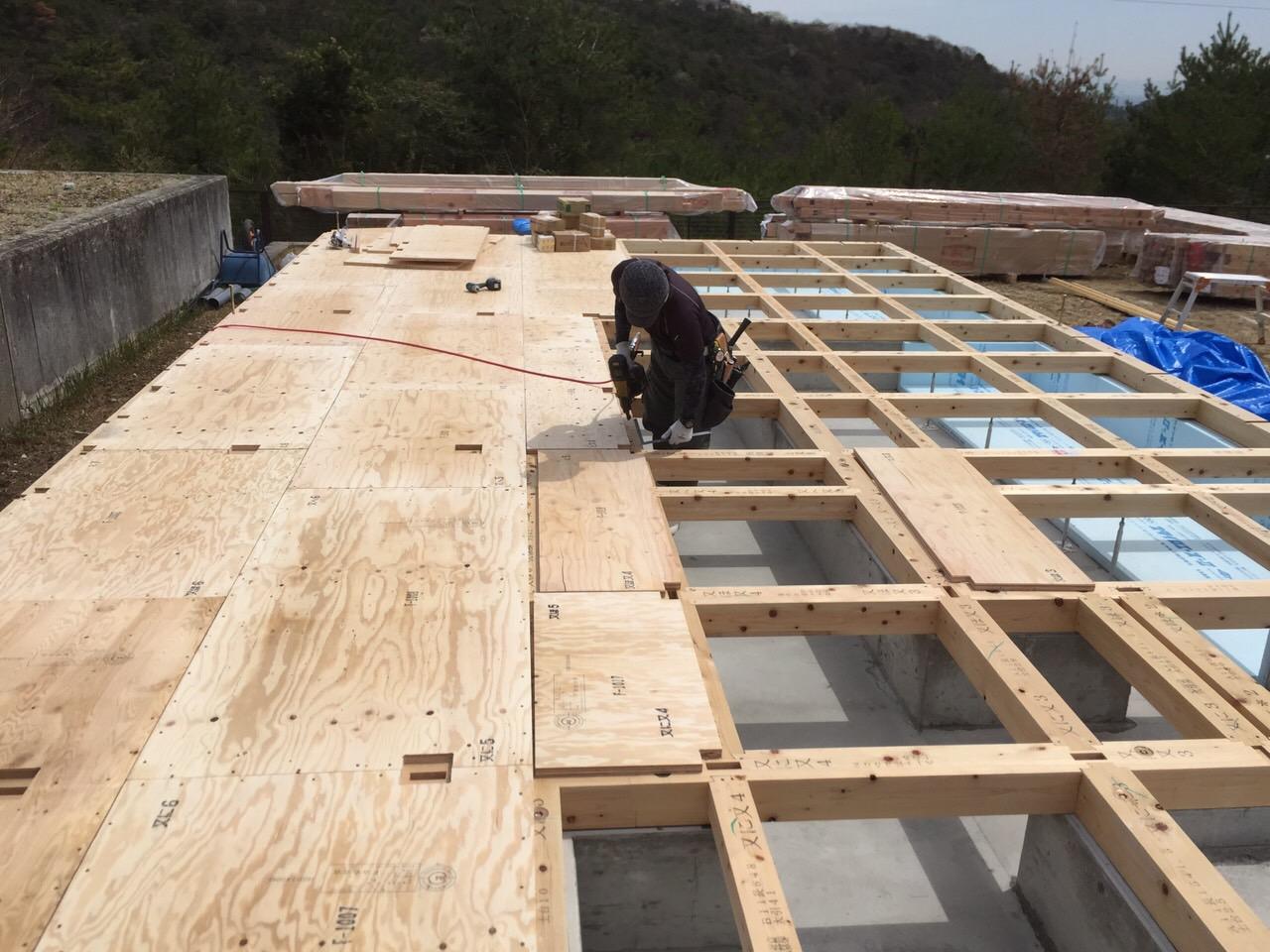 『大きな窓から四季を感じるカフェみたいな家』土台工事が完了しました!